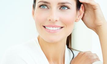 blanqueamiento dental en Denia - blanqueamiento dental profesional peróxido de hidrógeno - Clínica dental Denia Doctoras Gandía