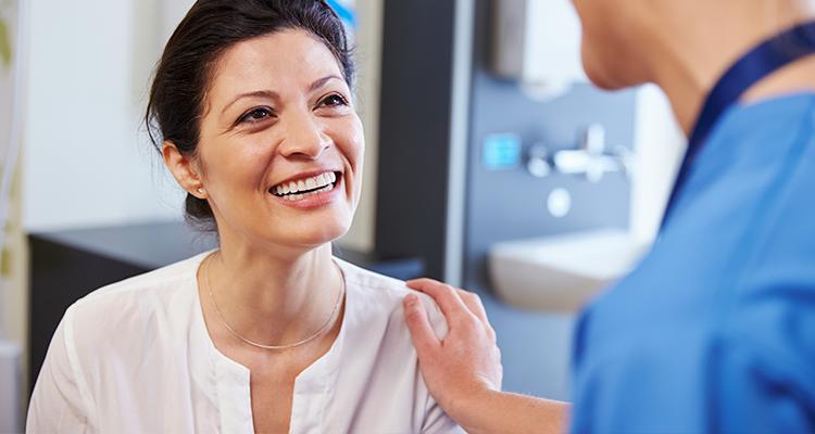 implantes dentales y osteoporosis - solución dental - Clínica dental Denia Doctoras Gandía